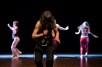 Newtopia 6 / danse et santé mentale Dimitri Tsiapkinis et l'équipe d'Omnivion